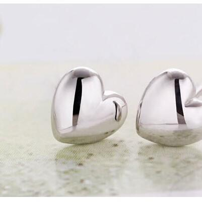 Heart Stud Earrings in Gold or Silv..