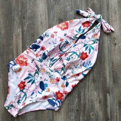 Beautiful Floral Print Vintage Retr..