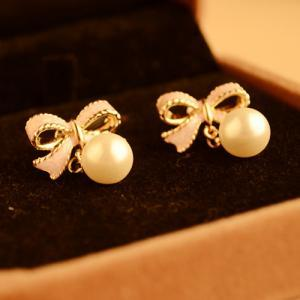 Adorable Pink Bow and Pearl Earring..