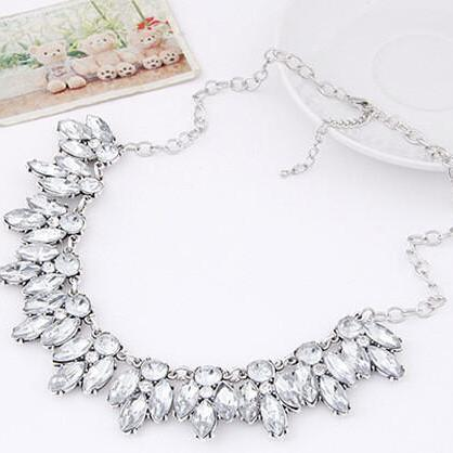 Crystal Beaded Statement Necklace i..