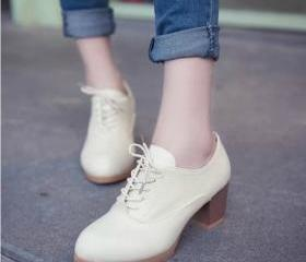 Cute Lace up Oxford ..