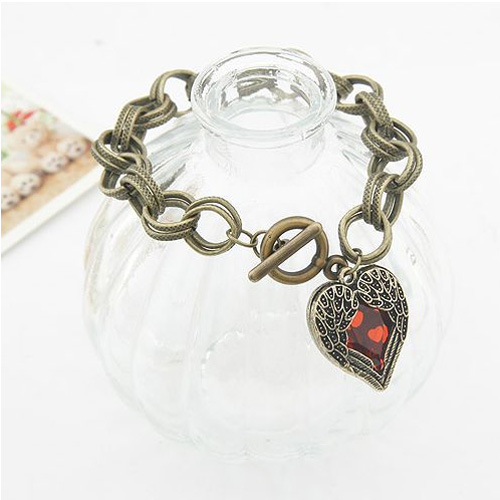 Vintage Design Heart With Wings Bracelet