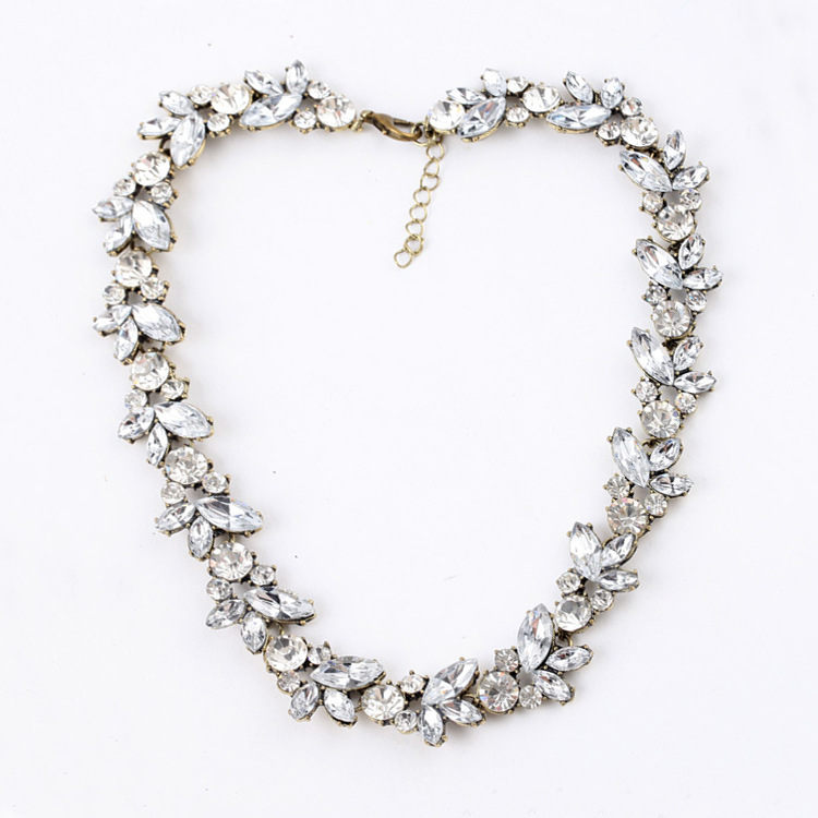 Elegant Fashion Crystal Necklace