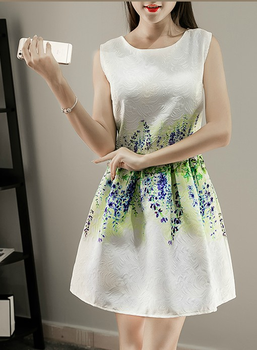 Spring and Summer White Sleeveless Printed Dresses