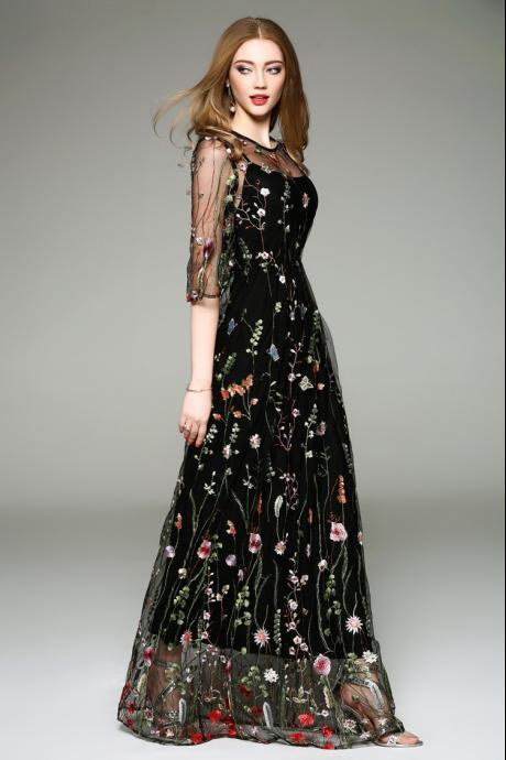 Elegant Black Flower Embroidered Dress