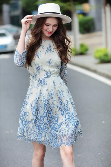 Gorgeous Long Sleeveless Princess Lace Dress