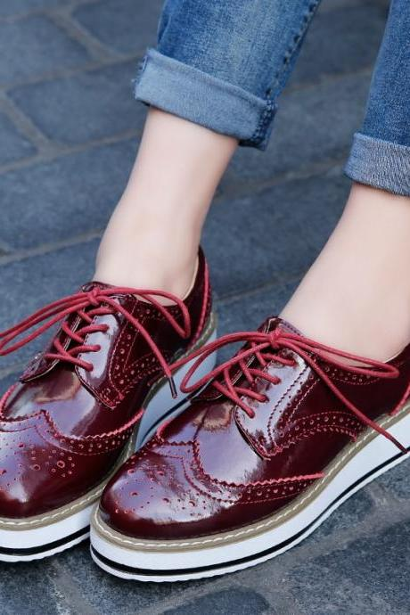 Stylish Wine Red Platform Lace up Oxford Shoes