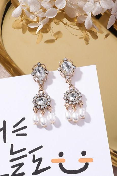 Beautiful Pearls and Crystals Drop Earrings