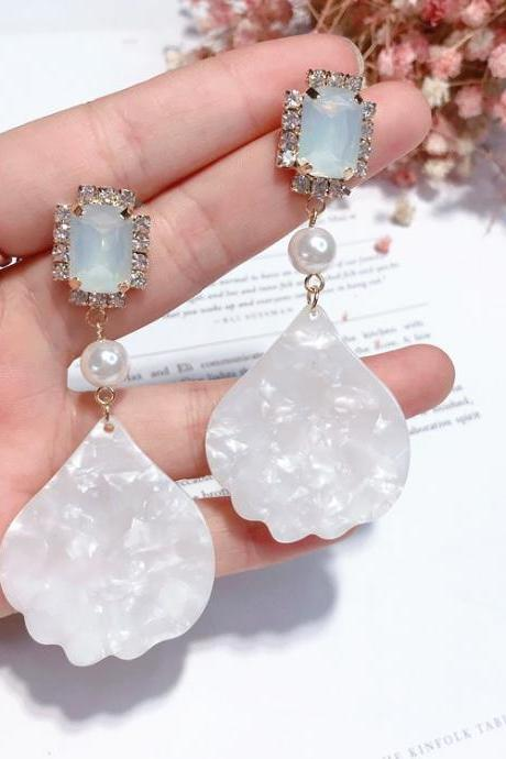 Beautiful Simulated Pearl and Crystals Drop Earrings