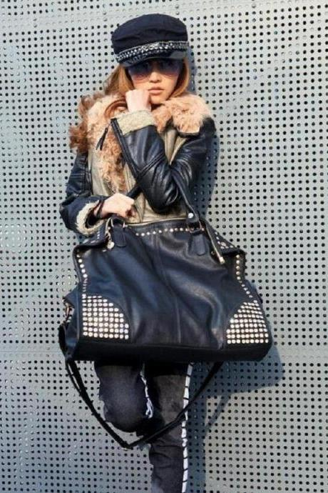 Black Studded Large Capacity Women's Leather Handbag