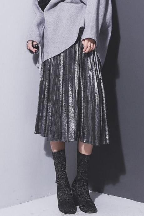 Chic Metallic Pleated Skirts