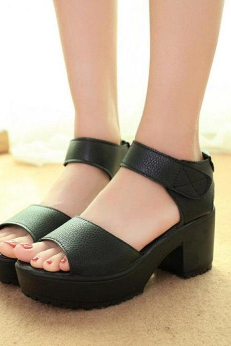 Black and White Chunky Heel Ankle Straps Fashion Sandals