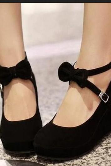 Cross Strap Wedge Shoes with Bow