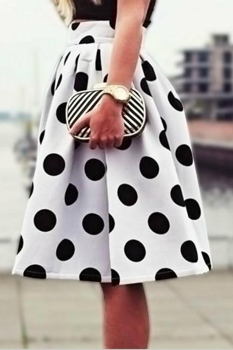 Adorable Polka dot Skater Skirt