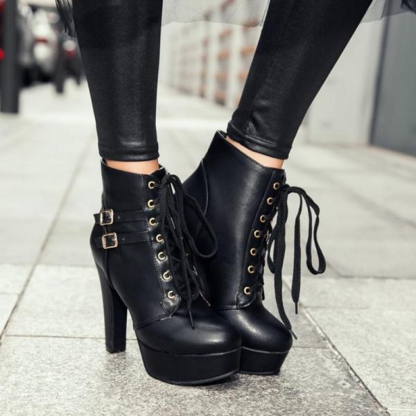 Lace up High Heels Ankle Boots in Black and White