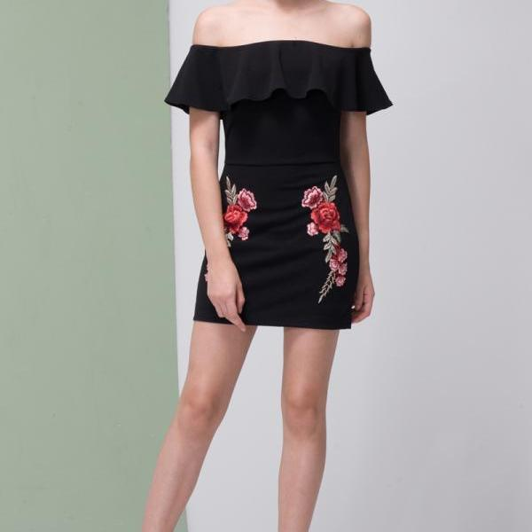 Black Floral Embroidery Bodycon Dress