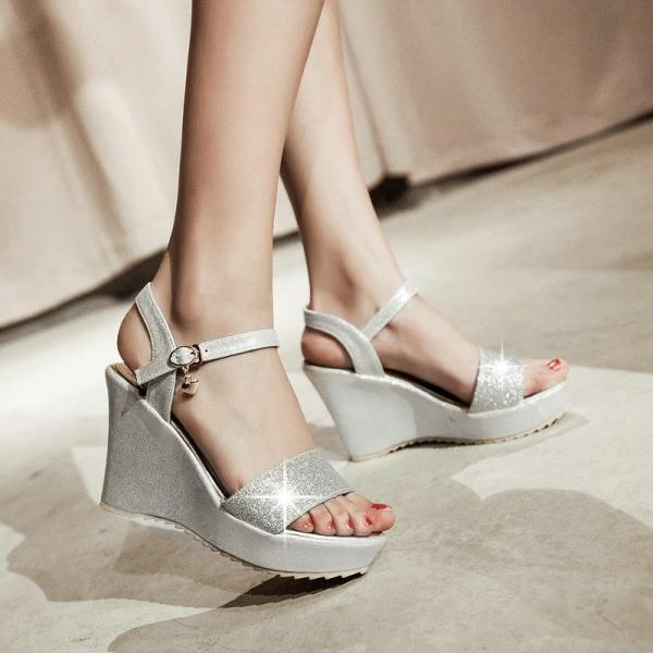 Gorgeous Peep Toe Platform Wedge Sandals