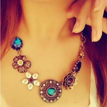 Beatiful Vintage Charmed Necklace
