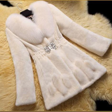 Beautiful Women's Faux Fur Winter Coat with Belt