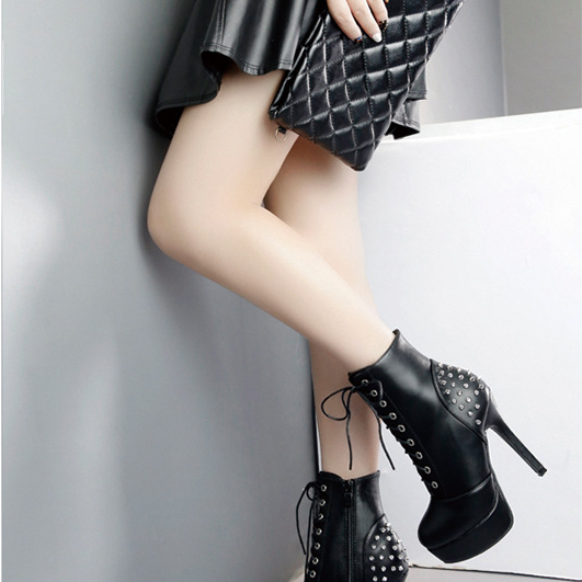 Chic Black and White Gothic Rivet High Heels Ankle Boots
