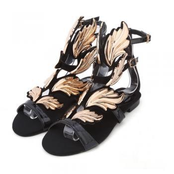 Chic Black with Metallic Gold Gladiator Fashion Sandals