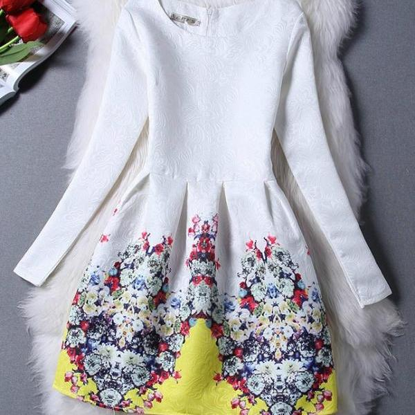 Stylish Floral Vintage Inspired Dress