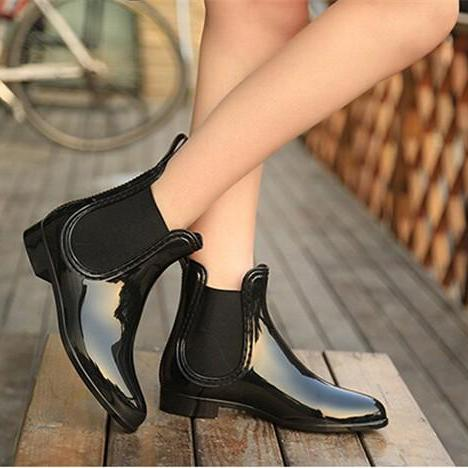Patent Leather Rounded-Toe Flat Ankle Boots in Black, Red or Blue